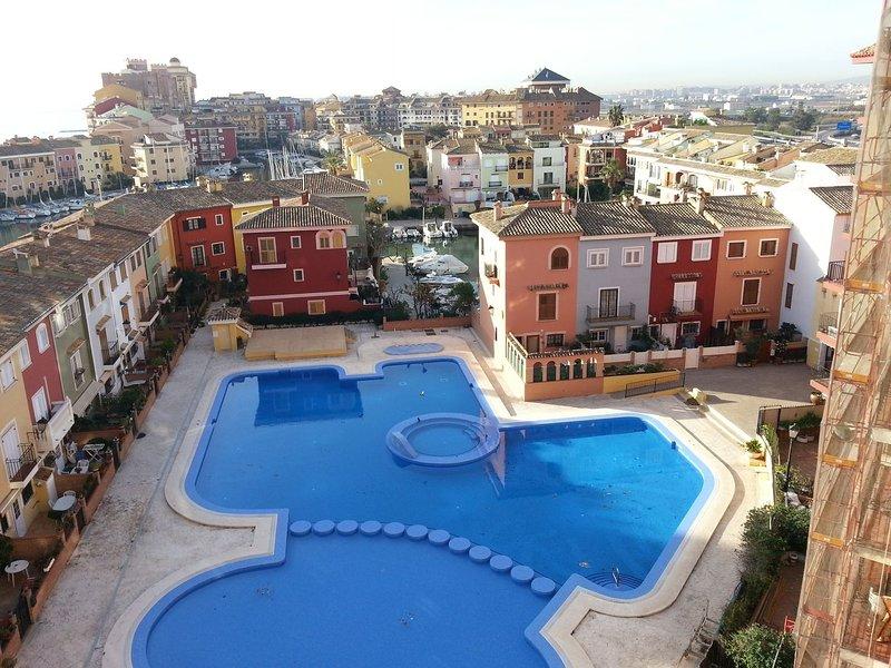 Valencia, ideally located 3bed-2bath apartFew mints walk from beach,pool,shop, location de vacances à Masalfasar