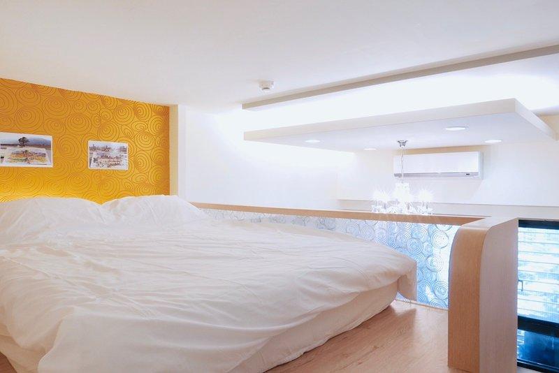 New Apartmen Room/ Best Location 2mins MRT, vacation rental in Taoyuan