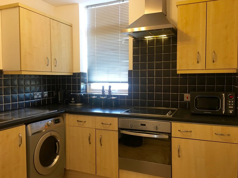 Extremely well equipped kitchen.