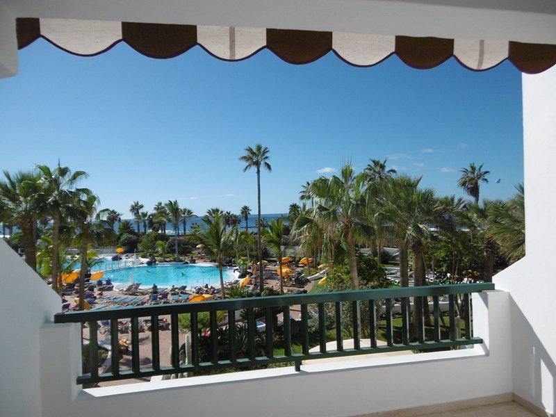 Parque Santiago IV - Apartment with 2 bedrooms and 2 bathrooms in Las Americas, holiday rental in Playa de las Americas