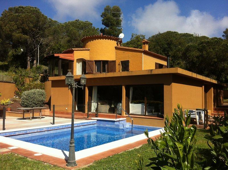 Villa 250m², jardin, piscine privée, idéale pour séjour en famille ou entre amis, location de vacances à Vall-Llobrega