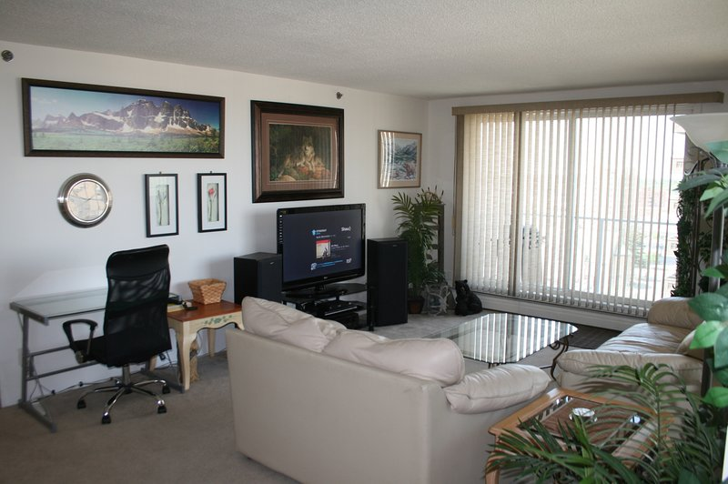 2 Bedroom 1 Bath with Scenic Views U/G Parking, InSuite Laundry, BBQ, Large Corner Deck