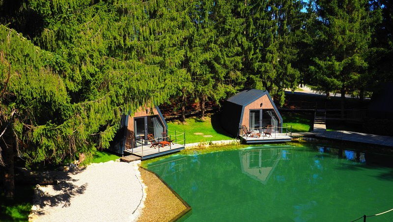 Lake House near the National Park Plitvice Lakes, holiday rental in Grabovac