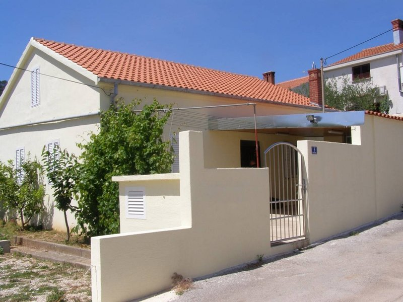 Holiday Home 4571-1 for 9 Pers. in Preko, holiday rental in Preko
