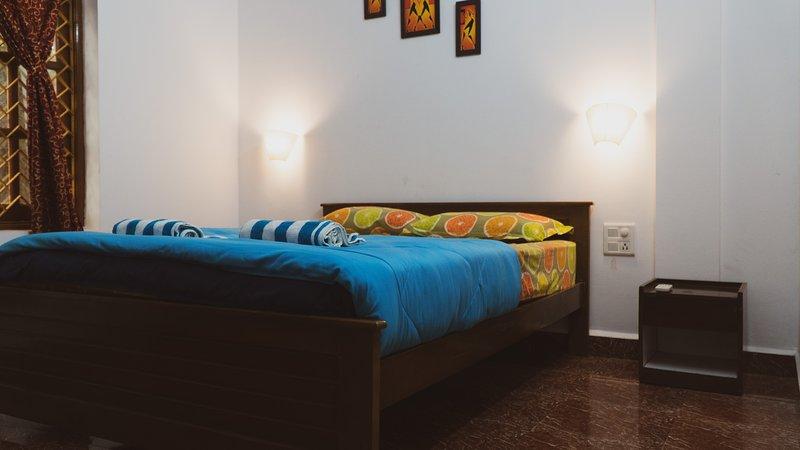 Yellow Jumbo Hostel Anjuna, aluguéis de temporada em Anjuna