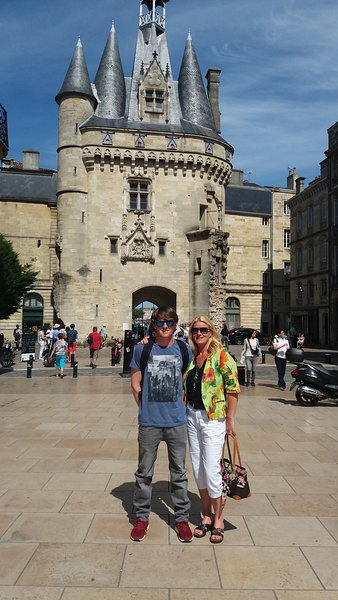 Bordeaux 1hr30 by train from Perigueux or 2 hour drive