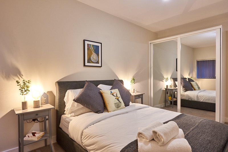 2 bed, 2 bath Executive Apartments - perfect for work or play