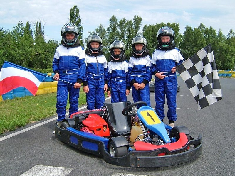 Go karting in Bergerac, from age 7 years