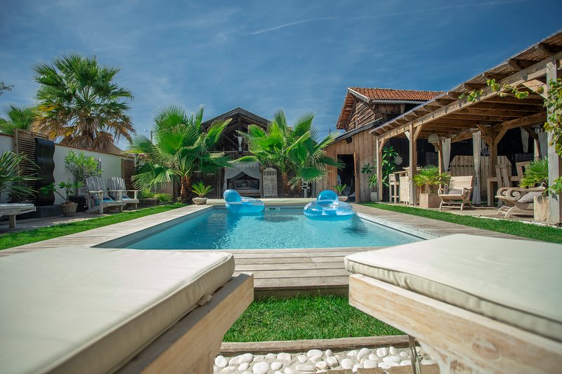 MAISON ANCIENNE RENOVEE / PISCINE CHAUFFEE Has Private Outdoor Pool ...