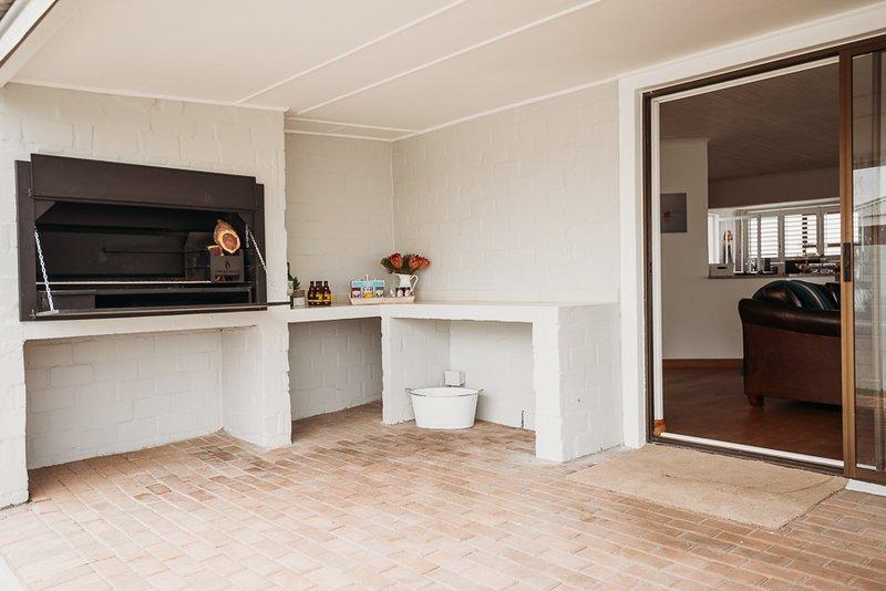 Voir la Mer - Grotto Bay Beach House, vacation rental in Yzerfontein