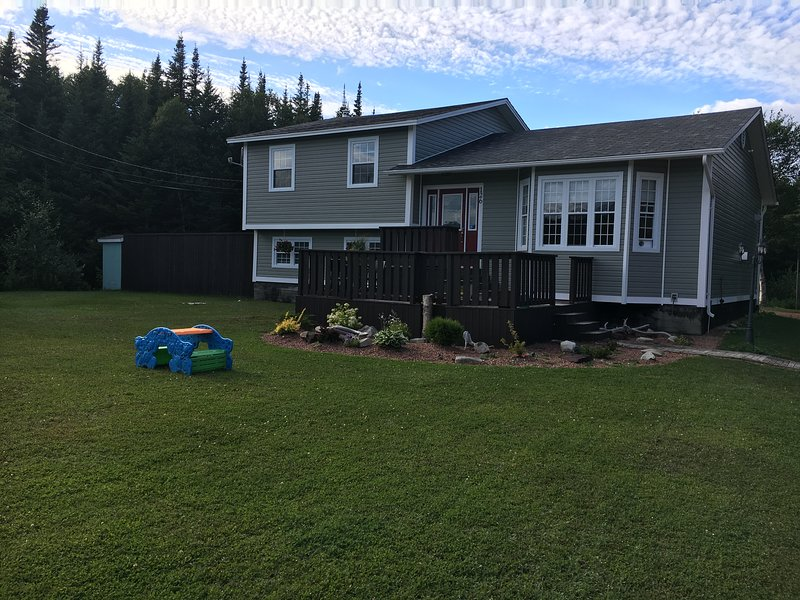 Whole Living Vacation Home, holiday rental in Elliston