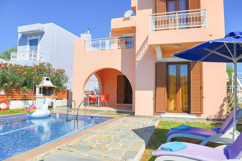Villa Kasos: Charming villa with private pool, A/C, holiday rental in Kolimbia