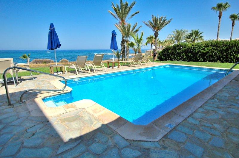 Luxury Seafront Villa Coralina in Kissonerga, holiday rental in Kissonerga