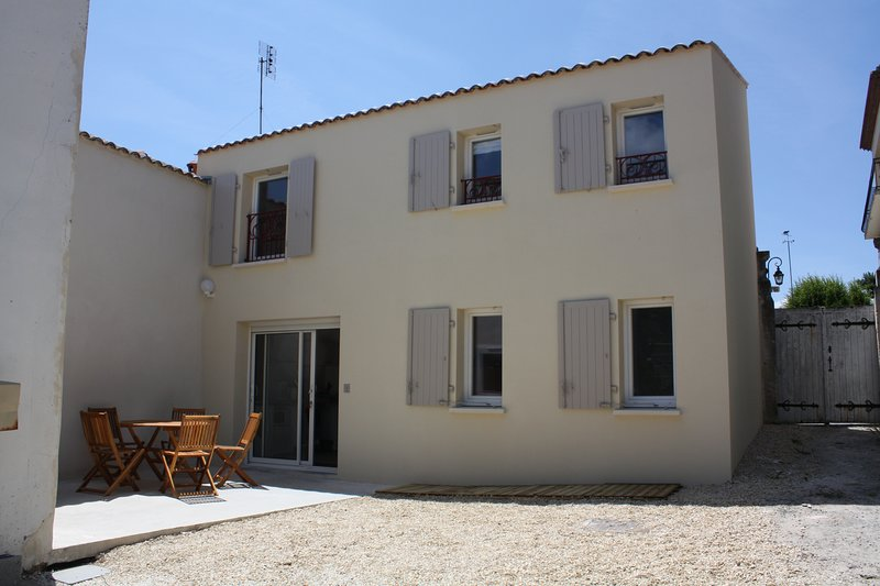Maison Grise, vacation rental in Meschers-sur-Gironde