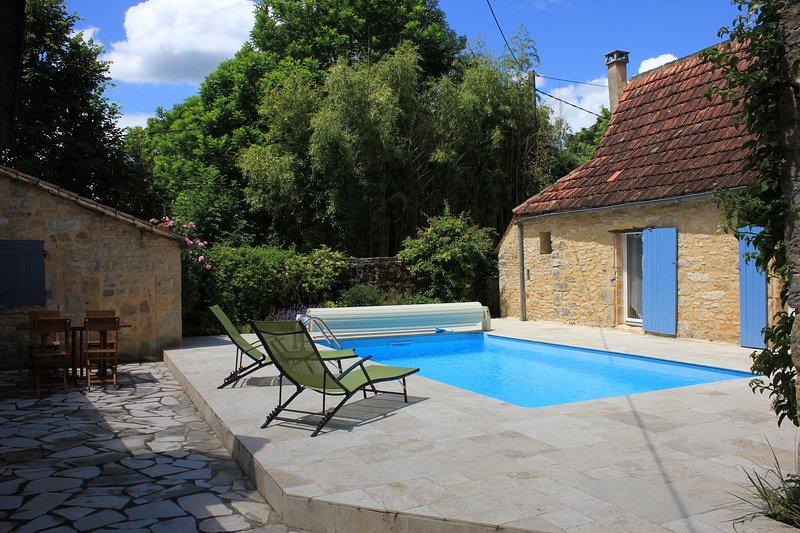 Les Gîtes de Canta Peira - La Bòria, vacation rental in Les Eyzies-de-Tayac-Sireuil