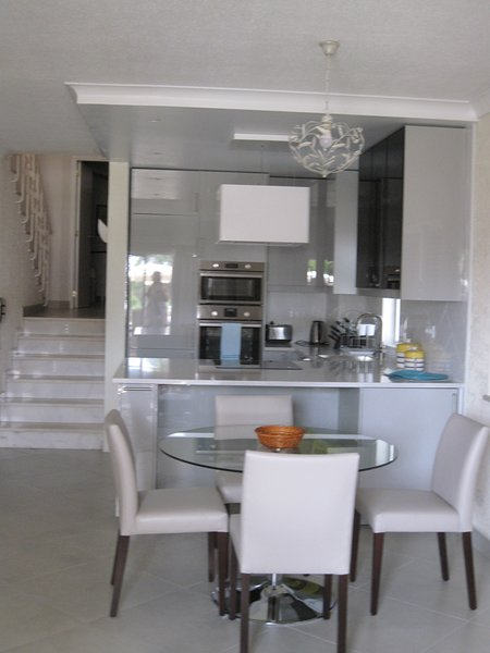 V138 -HIGH STANDARD  2  bed apartment in Vale do lobo, holiday rental in Almancil