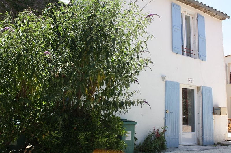 Maison Bleue, vacation rental in Meschers-sur-Gironde