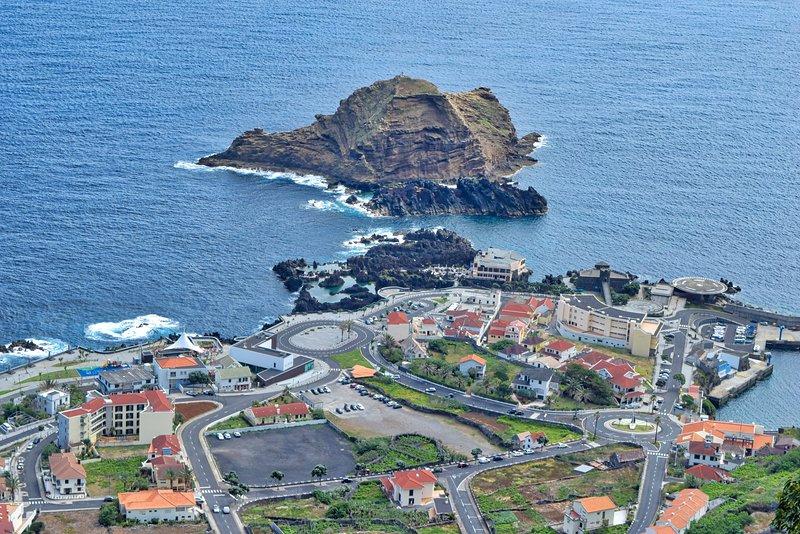 Casa do Pescador, a Home in Madeira, holiday rental in Porto Moniz