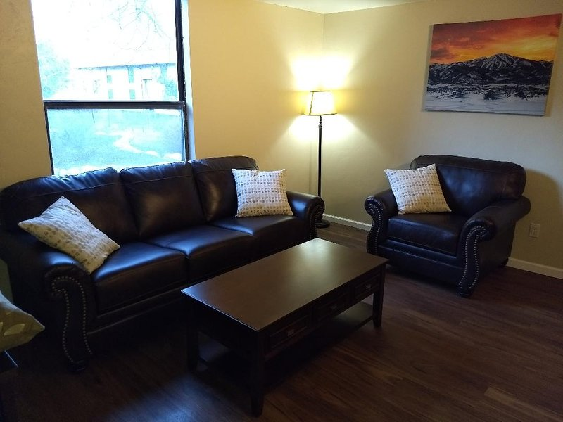Perfect Condo Extra Close to PCMR Ski Resort! Chalet in Park City