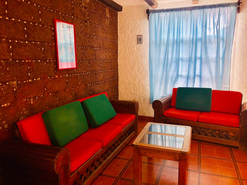 Comfy 4 bedroom House Parking & Garden Fruit Market Area, alquiler vacacional en San Juan Chamula