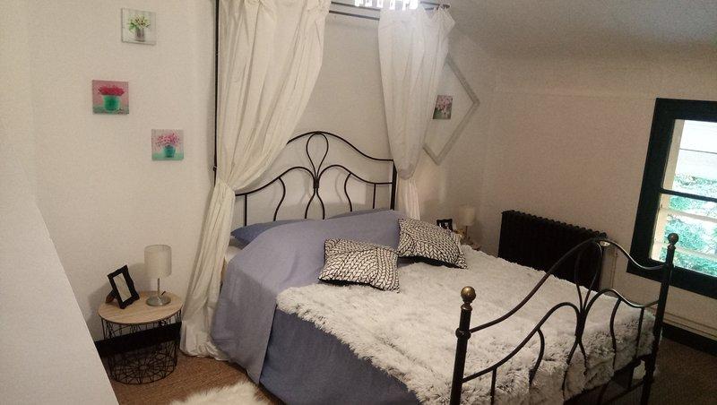 Les 2 Granges, Suite Mansarde, holiday rental in Berig-Vintrange