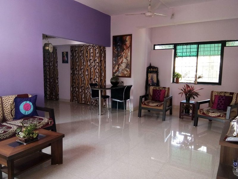 Airy 2BHK, Close to Airport & BITS, holiday rental in Bogmalo