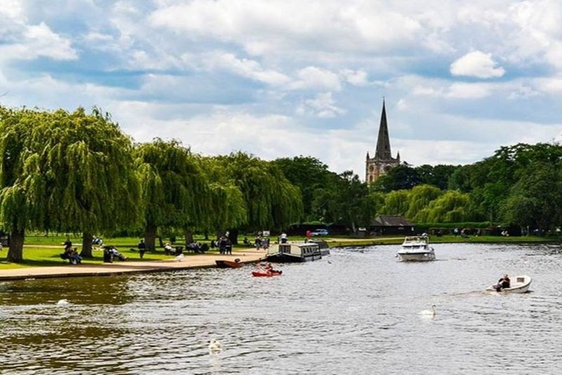 Stratford-on-Avon: Boating on the river