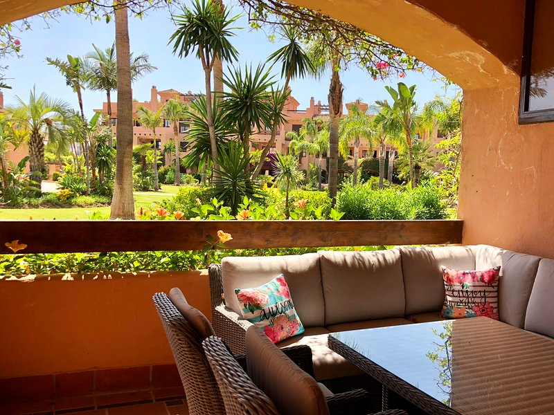 Hacienda del Sol, ground floor 2 bed apartment., vacation rental in Benamara
