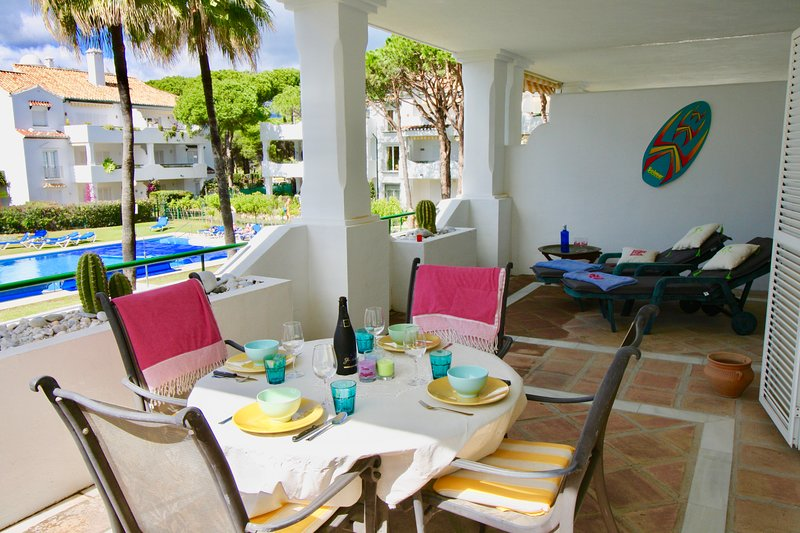 El Presidente 2 bed apartment overlooking the heated pool, vacation rental in Benamara