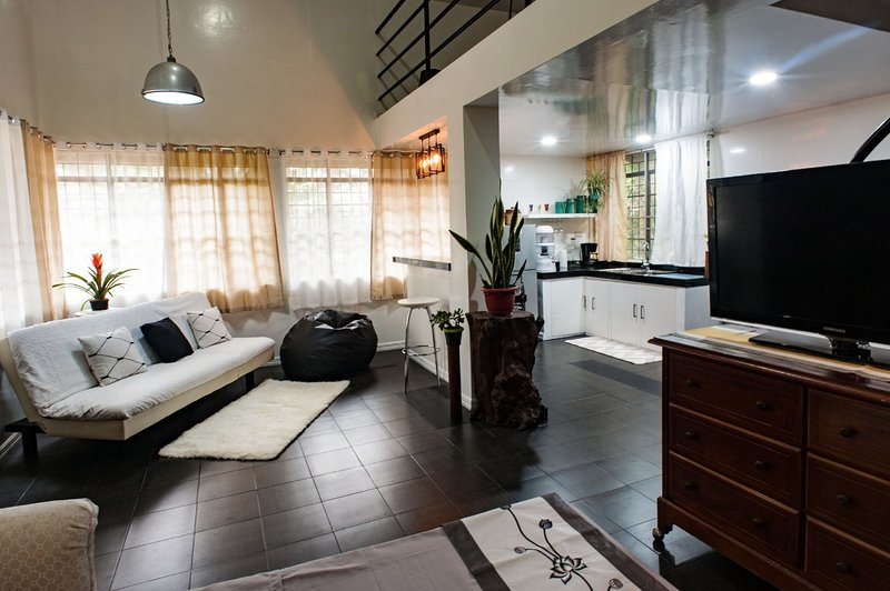 Maxxy's Place Baguio, holiday rental in Rosario