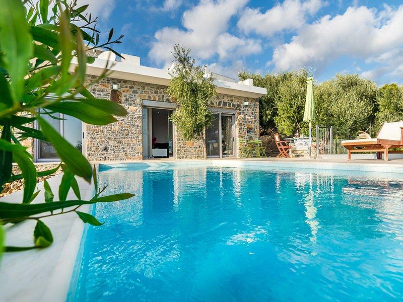 Villa Alma vue directe sur mer, plage à proximité, confortable, 4 personnes, vacation rental in Koutsouras