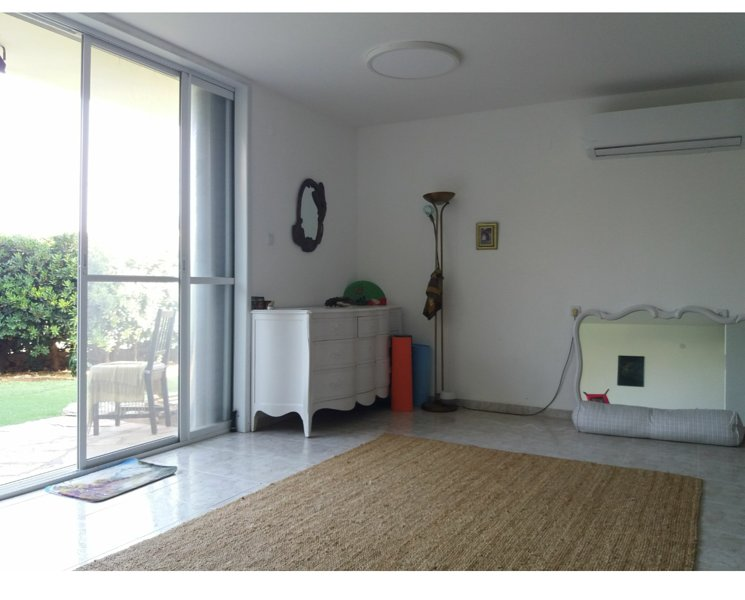 Four bedroom house light and airy, alquiler vacacional en Costa del Carmelo (Hof HaCarmel)