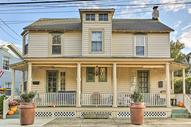 Plan your Jersey Shore escape to this 3-bedroom, 2-bath vacation rental house!