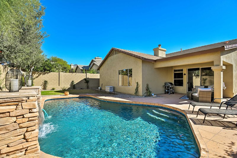 Visit Arizona in style at this Scottsdale vacation rental house!