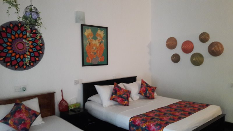 Situated close to the beach, Anara villa offers pe, holiday rental in Talpe