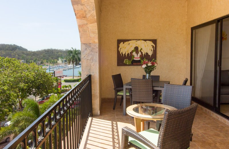 58356 - Centrally Located Marina Park Condo, holiday rental in Huatulco