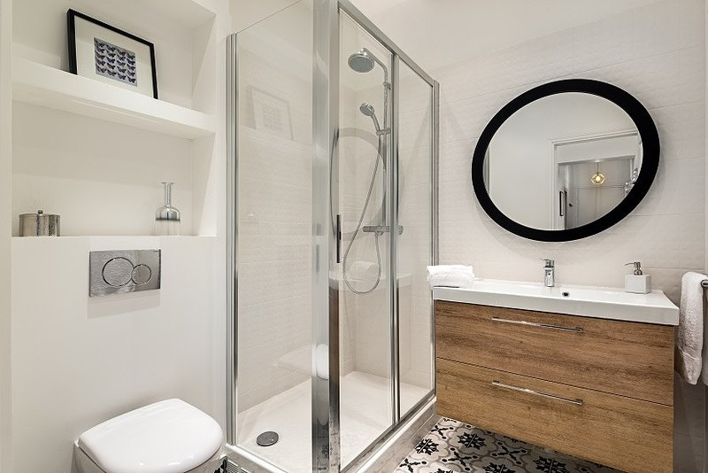 25-bathroom-two-view-one