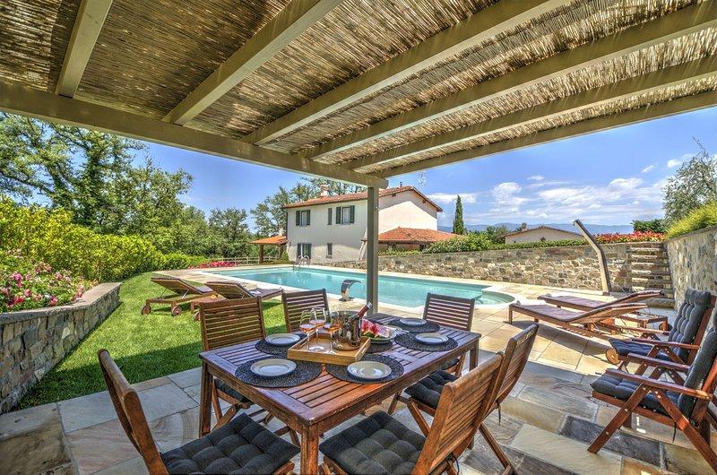 Villa Vasarri Le Piaggiole, holiday rental in Castelnuovo dei Sabbioni
