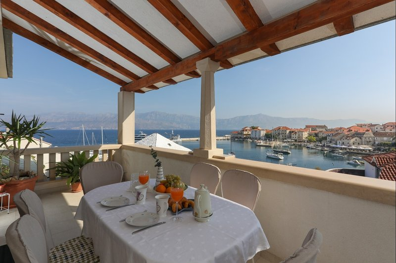 Josip - Apartment with Panoramic Sea view: A1(6) - Postira, holiday rental in Postira