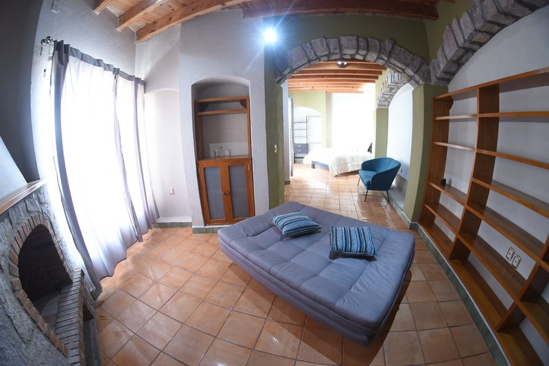 The House of Cinema, holiday rental in Mineral de Pozos