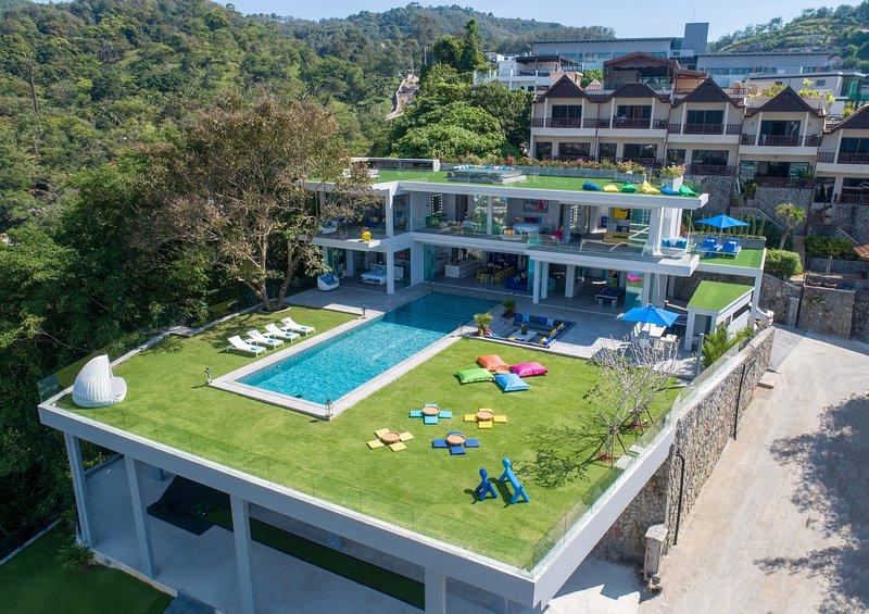Villa Enjoy Phuket, vacation rental in Patong