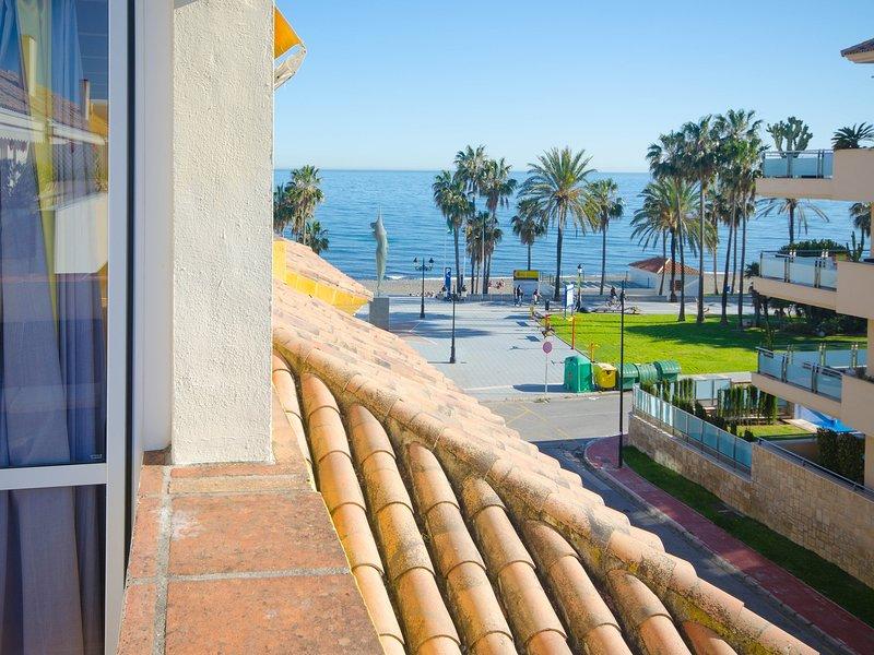 APARTMENT LAS PETUNIAS- First beach line, alquiler vacacional en San Pedro de Alcántara