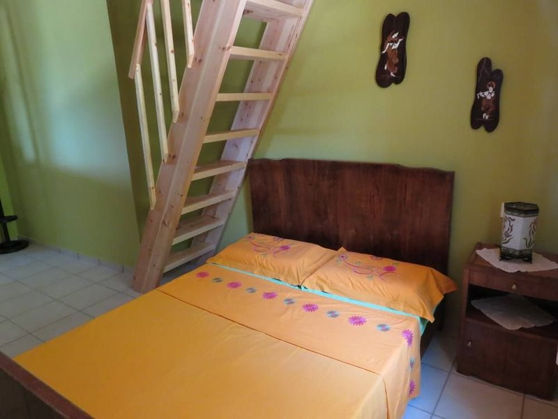Traditional House 'Euphoria', vacation rental in Mousata