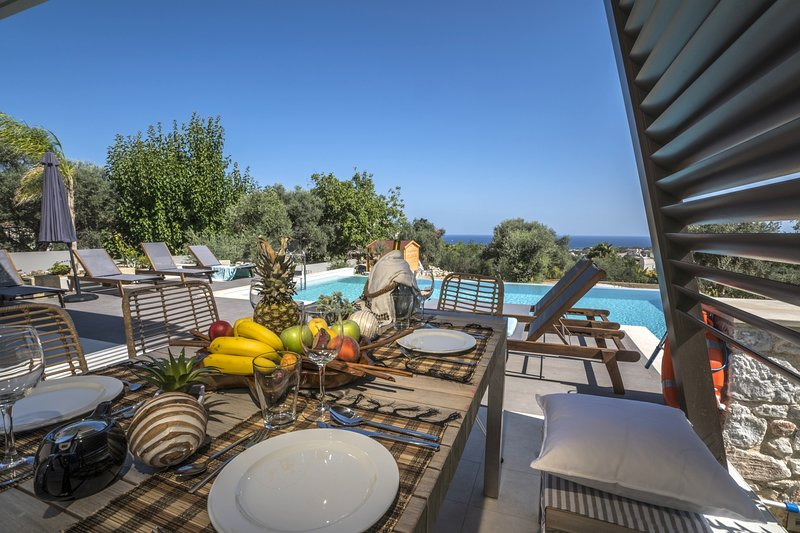 Luxury,modern,ideal for family,view,pool, holiday rental in Perivolia
