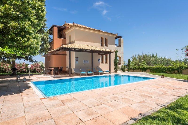 Pool,garden,comfortable,relaxing, holiday rental in Vlacheronitissa