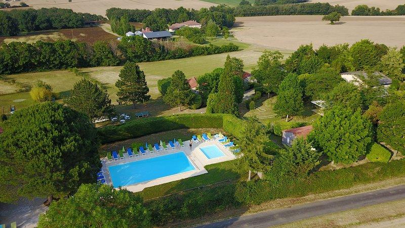 Les Chalets des Mousquetaires, location de gîtes à la campagne dans le Gers, location de vacances à Mauvezin