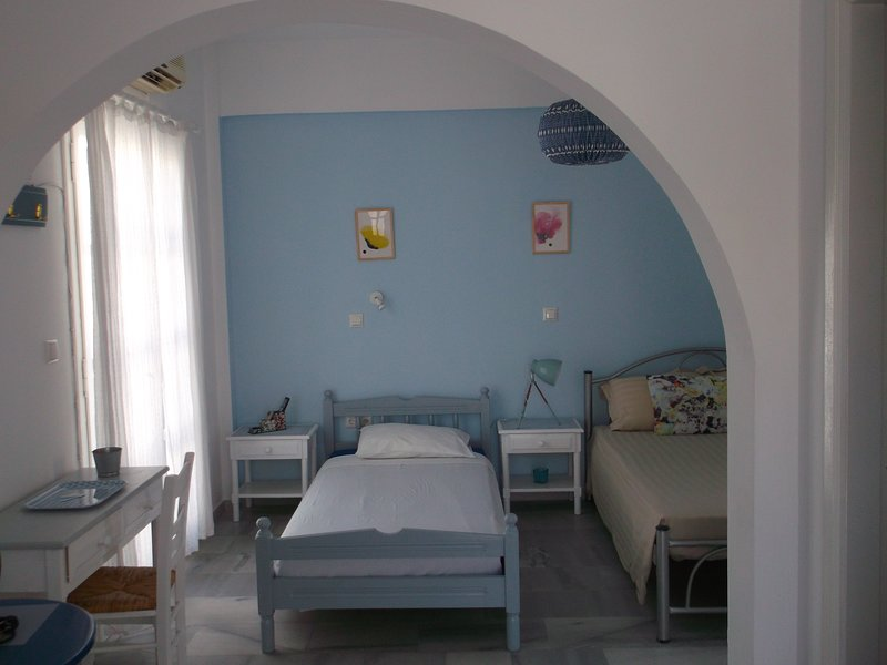 STUDIO CYLADIQUE AGIOS PROKOPIOS NAXOS, holiday rental in Agia Anna