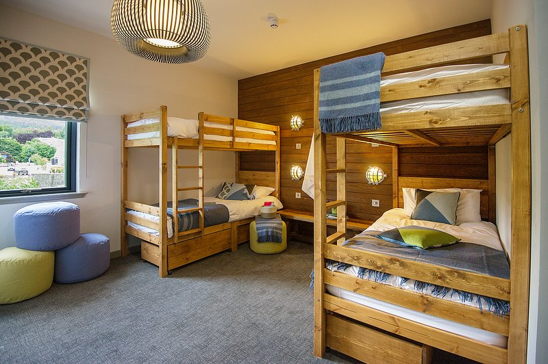 Sleeps 4, 2 bunk beds en-suite shower room.  Can be joined together with Nevis create a larger suite