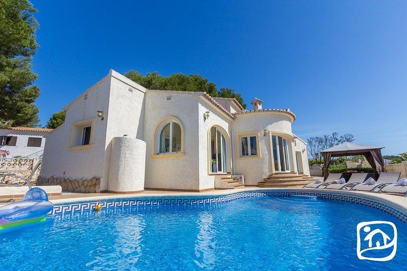 Casas de Torrat Villa Sleeps 6 with Pool Air Con and Free WiFi - 5401495, vacation rental in La Llobella