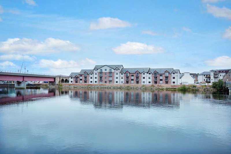 Penthouse Riverview Apartment, holiday rental in Munlochy